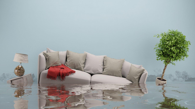 Как правильно оценить ущерб в затопленной квартире?