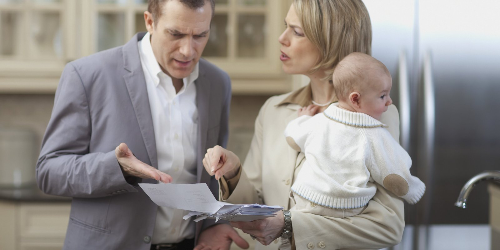 Как отказаться от отцовства если ребенок не родной